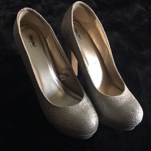 Gold heels worn once